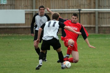 Tom Ward gets in the tackle