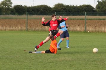 Ryan Oliver evades the keeper to score!!