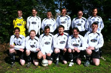 Puttenham Utd Vets team 2011 -2012
