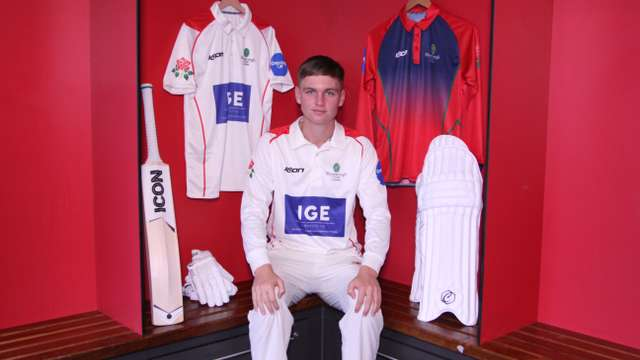 Jack Morley extends Lancashire Contract
