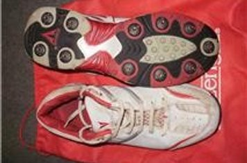 Slazenger 'Ultimate' spikes, leather upper, size 8.  White with red trim.  One season old only so not totally white any more but very little wear.  Come with full sets of both metal and plastic spikes and can be used without spikes for indoor sessions