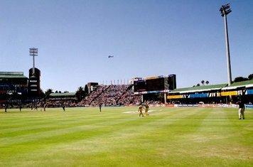 Eng v Aus, 02-03-03, Port Elizabeth (Gilly & Hayden)
