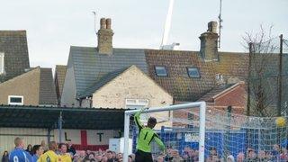lowestoft v wealdstone 28/1/2012. 2