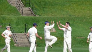 Seconds saunter to final day victory