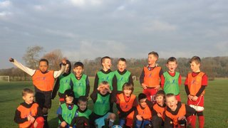 Fry Club  Soccer Tots and Under 6's & 7's get new Bibs