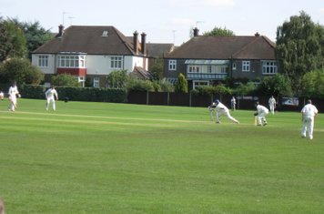 2008 Ev Std Final at Ealing - John Maunders & Toby Roland Jones batting