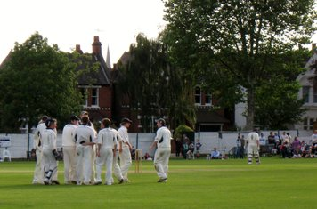 2008 Ev Std Final at Ealing - sunbury have a wicket