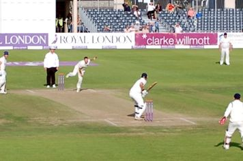 2014s1 Kevin Smith bowling