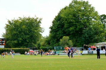 2014 T20  - chasing a target of 128