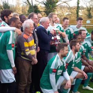 Leatherhead 1 Met Police 1   Points shared as Tanners honour heroes