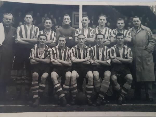 1947-48:T.Roberts(trainer), J.Worth, F.Avery, R.Phillips ,R.George ,F.Alder, A.Pettit, E.Boden Front:L.Henderson ,A.Bridges, W.Roberts, D.Russell, G.Tyson