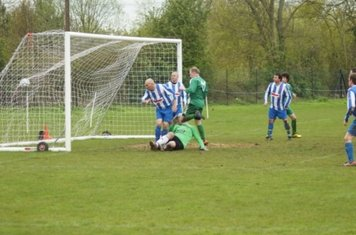 The Chadlington defenders look on as Yarnton equalise in the second half