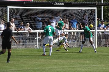 Lewis Taaffe beats the Hendon keeper
