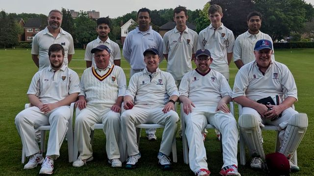 Michael Jones helps Surrey to a Win over Hampshire!