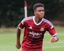 Hammers Youngster Joins Clarets on Loan