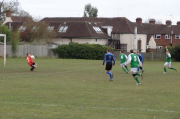 Rob Gilder Makes it 1-0 to Chalvey