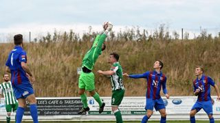 Maldon & Tiptree 3  Rovers 1 - 8th October 2016 (For full set of match pics visit https://www.flickr.com/photos/gwroversfc/albums/72157674984868525)
