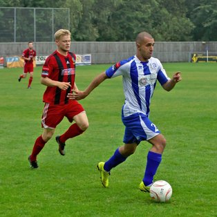 Ware show fighting qualities to edge a 2-1 victory.