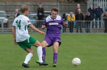 Bognor's Snorre Nilsen (L) and Enfield's Mickey Parcell