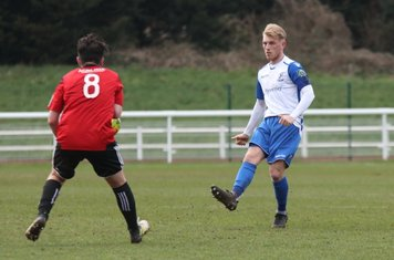 Enfield's Ryan Blackman (R) and Brightlingsea's Thomas Dunningham