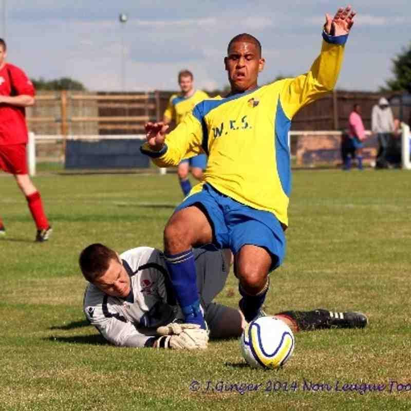 http://www.photoboxgallery.com/nonleaguefootballshots © J.Ginger2014 http://www.flickr.com/photos/102523749@N08/