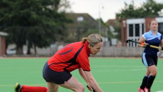 Spectacular goal by Holland sees Winscombe 1sts top table