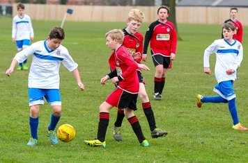 CCYFC Whites U14s (4) v Brentwood Tigers (1) (A):    Photo by: Spencer Moret