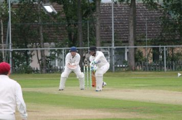 Josh plays a solid defensive shot during a partnership of 69 with Chris Lowndes.