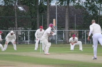 Kev edges one and is caught by Ben Cotton at 3rd slip.