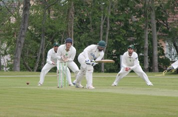 Saad Qureshi plays into the Leg side.