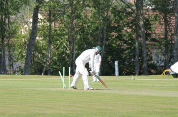 Rowls is the last wicket to fall - 115 all out.