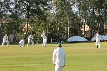 74 for 9 - David Freeman drives Michael Brown in the air to Tom Bason  at Cover.