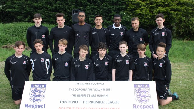Referee's - Wealdstone Youth players