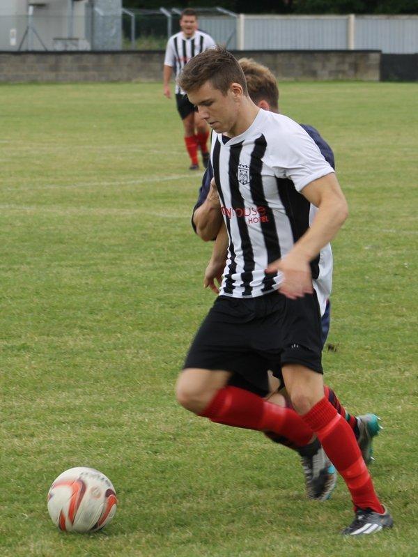 Finn Kelly on the ball.