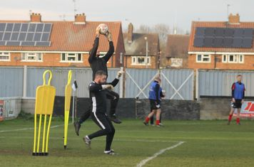 Paddy Shaw warming up.