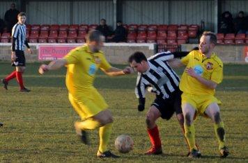 Jonny Nicholls holding the ball up.
