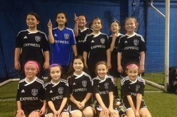 Congratulations to the Express FC U9 girls for winning their division at Winstar! They went 8-0-0. Well done ladies!