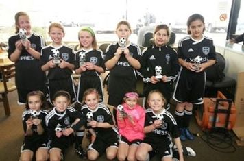 The Express U9 Girls also took first place at Royal Oak Total in the BOYS U9 division! Way to show the boys how to play, Ladies! They scored 80 goals and only allowed 41. Go Express!