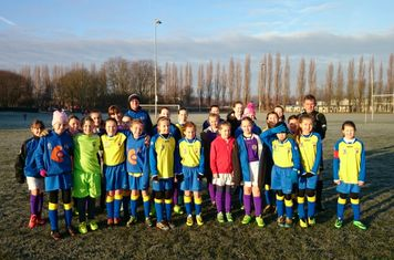 Crosfields Girls Under 12 Panthers Took on Fife Rangers in the Cheshire Girls Champions league Clash on Saturday 6th December, both teams fully supporting Cheshire FA's #footballremembers campaign to which is in memory of the 1914 Chrismas day truce