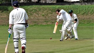 Convincing win for the 2s secures survival - Match report 11/8