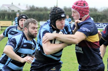 James Bleakly and Peter Irvine take on the Banbridge forwards.