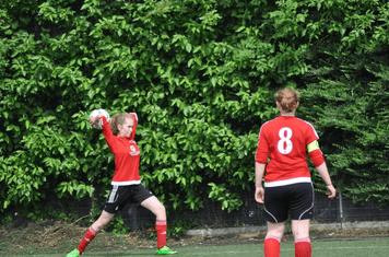 Maisie long throw expert