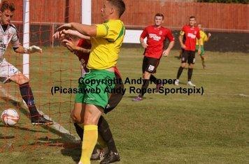 Ryan Rowe makes it 2-0; his first on his return to Stourbridge colours.