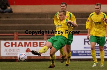 Skipper Sean sets up another Glassboys assault on the home goal.....