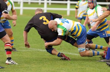 Tony shows the Irish how to tackle :  )