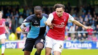 Marvin McCoy signs for Dulwich Hamlet