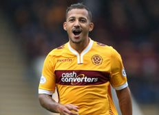 Lionel Ainsworth signs for Dulwich Hamlet