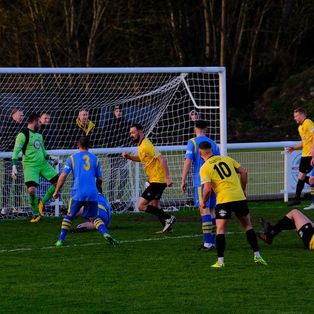 Nailers return to winning ways with victory over Carlton Town