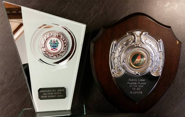 Humbled but proud to win this. Thanks lads! Looks good next to my very first one!
