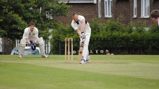 Run chase runs over as Adwalton fall to Woodkirk